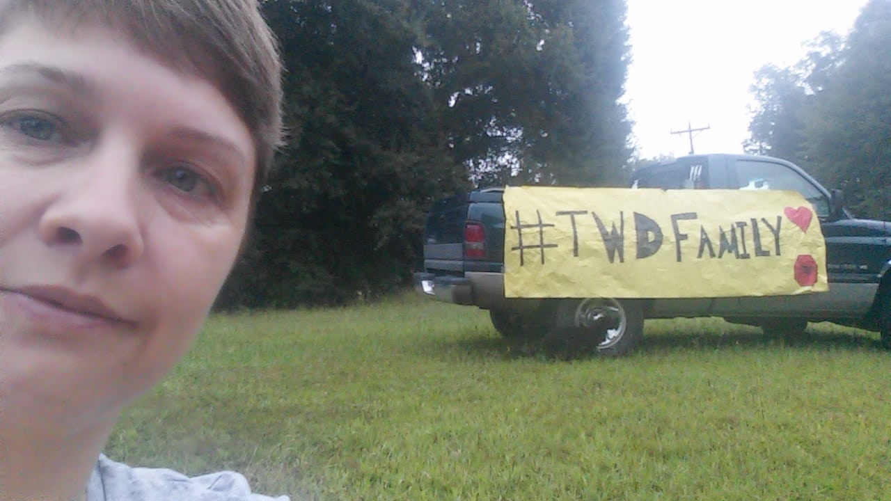 TWD fan Melissa Dukes takes a selfie where she sat all day during filming.